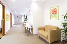 病院の待合いや廊下・受付に飾るホスピタルアート