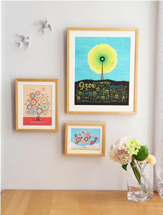 玄関に飾る花の絵画インテリア、複数枚の絵を並べて飾る